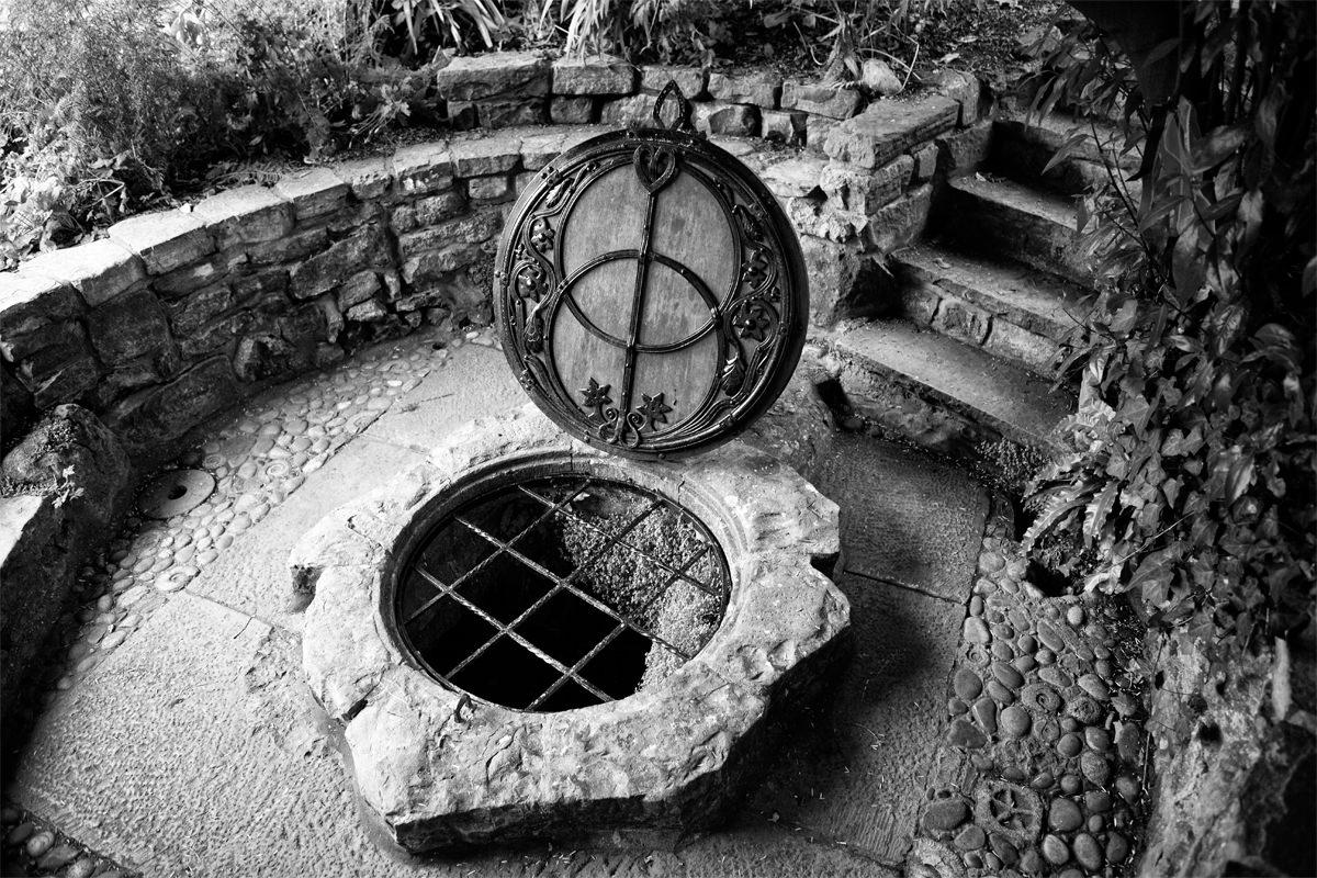 Visionsbrunnen im Chalice Well Garten