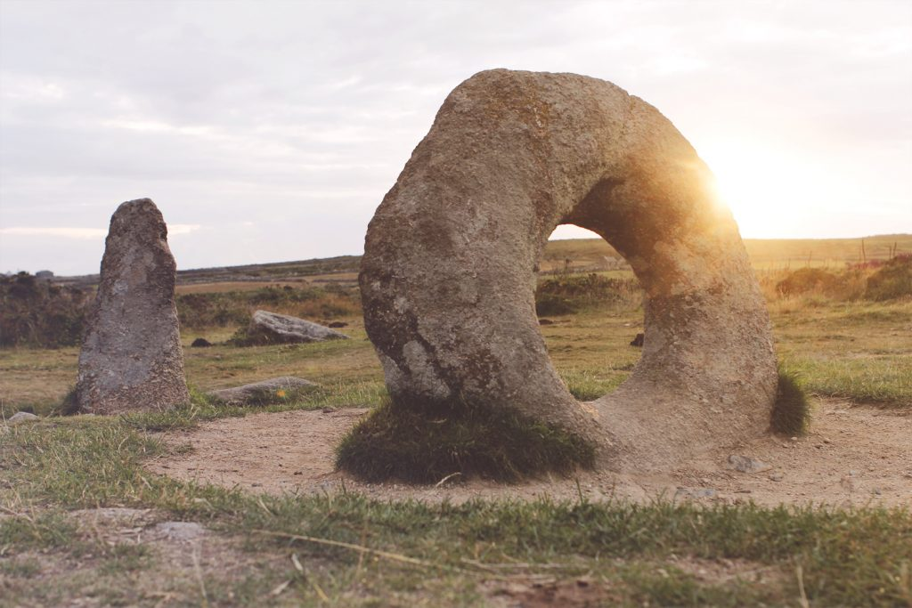 Men an Tol in Cornwall, England - Andersweltportal