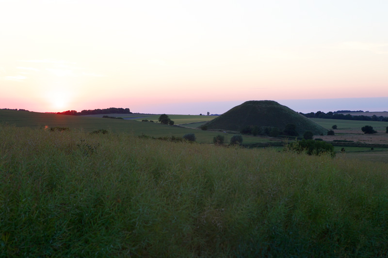 Silbury Hill bei Sonnenuntergang